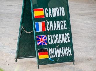 Um Währungen zu wechseln empfiehlt sich das Aufsuchen einer Bank oder einer offiziellen Wechselstube